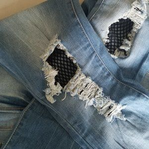 """NWT YMI """"Steaks and Rips"""" Rolled Ankle Jeans"""
